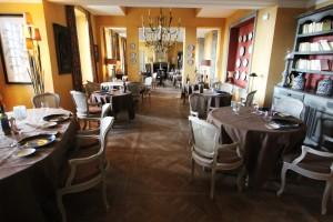 France-Provence-Hotel-Domaine de la Baume-Dining Room