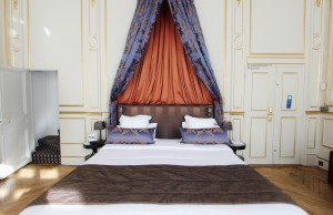 France-Paris-Hotel Mansart - Room