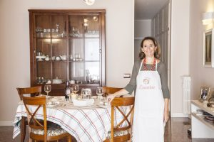 Juanita loves welcoming international guests to her home to teach them traditional Italian recipes
